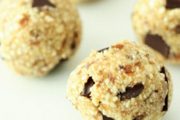 Vegan glutenvrije dadelballetjes