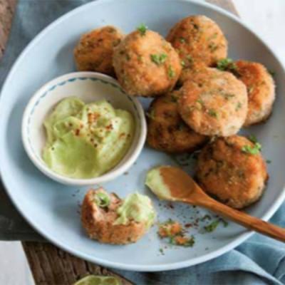 'Happy' recept van Ellemieke Vermolen: zalmballetjes met avocadosaus