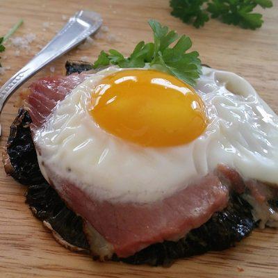 Sandra's (h)eerlijke gluten- en lactosevrije budgetkeuken: portobello met ei en Italiaanse ham