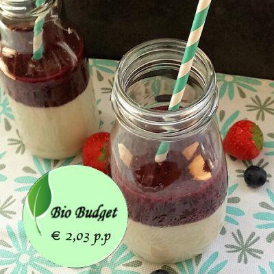 Bio Budgetrecept: on the go smoothie met rood fruit