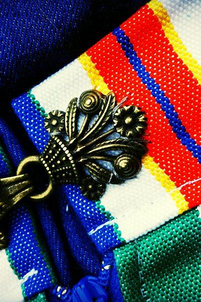 Grieke's inspiratie uit klederdracht; Volendammer stof