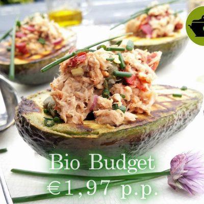 Biobudget avocado met tonijnsalade